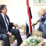 وزير الخارجية يلتقي الممثل المقيم الجديد للأمم المتحدة باليمن